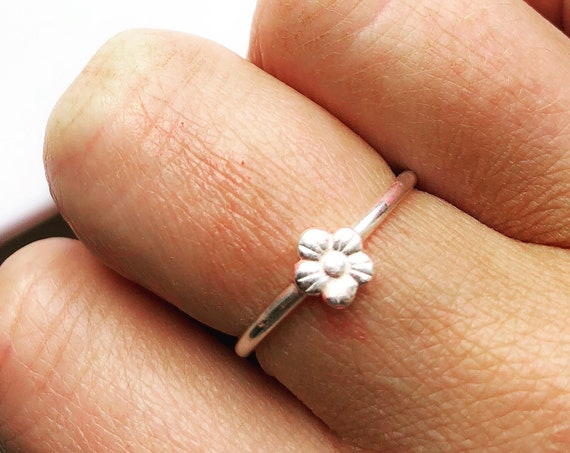 Daisy Flower Ring, Sterling Silver - Nature Collection