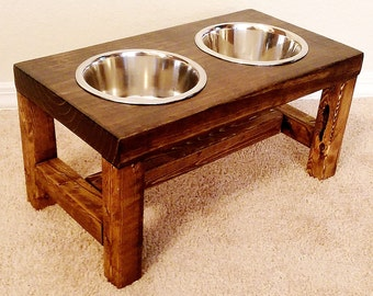Elevated dog bowl, Medium dog feeder, Dog bowl, Dog lover gift, Dog bowls, Dog bowl stand, Pet furniture, Farmhouse decor, Raised dog bowl