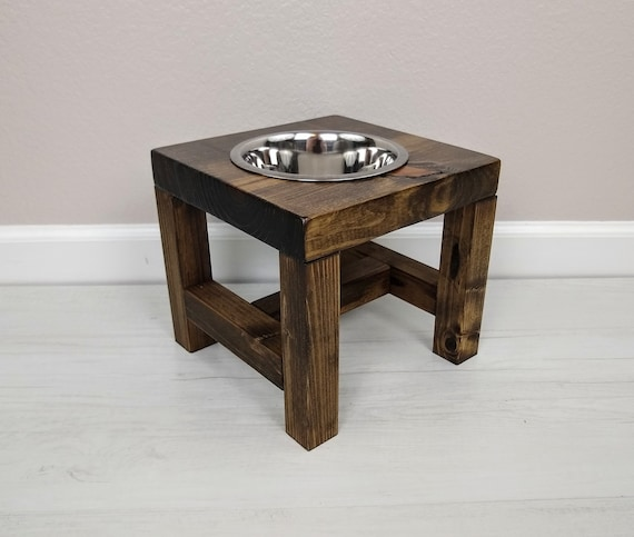 raised single dog feeder