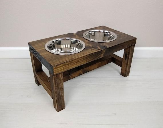 Medium Farmhouse Style Dog Feeder