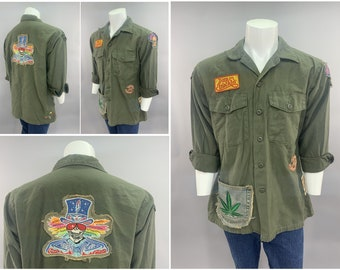 1970s Vintage US Army GI Fatigue Shirt Jacket with Deadhead Dancing Bear FreakOut Vietnam War Counter Culture Hippy Hippie Freak Patches