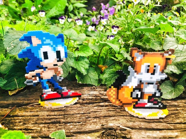 Sonic & Tails Perler Sprites | Video Game Decor | Retro Gaming Gifts | 8  bit Art | Pixel Art | PlayStation Game Fan | Sonic Video Game