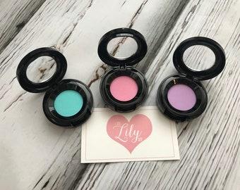 Pastel eye shadow - pretend makeup
