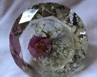 Rose bud and Gypsophillia resin paperweight