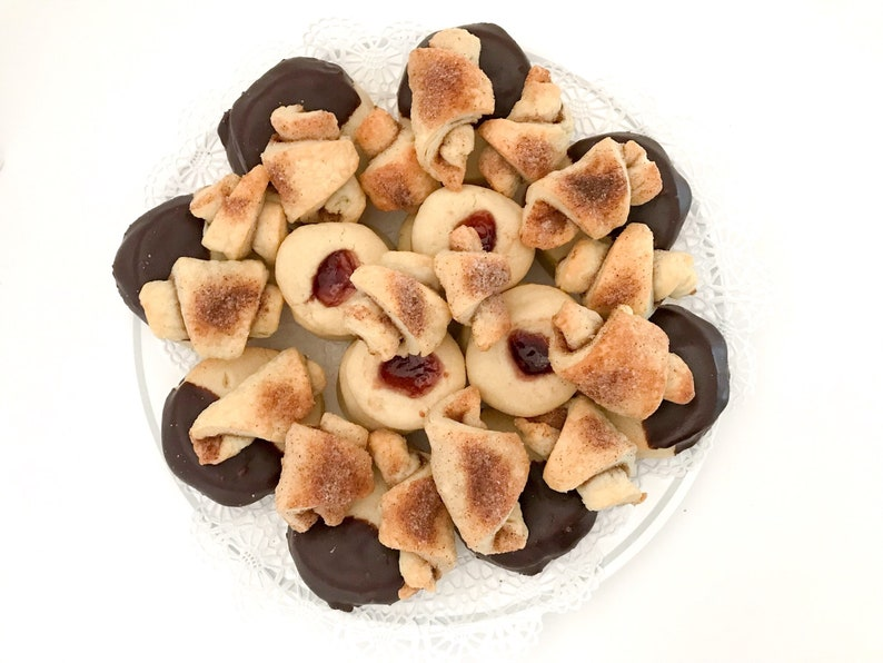 4 Dozen Assorted Cookies Nut Free Assorted Cookie Tray image 0