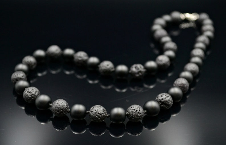 Men/'s Gemstone Onyx Necklace Choker Necklace Lava Stone Necklace Black Beaded Necklace Gift for Men Knotted Necklace Short Necklace For Men
