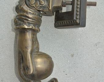 Elegant antique style ladies hand doorknocker cast iron door knocker complete Z5