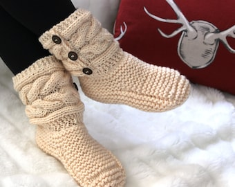 Women's slippers / women's knitted boots / knit slippers women /slippers boots / booties / gift for her/ knitted slippers