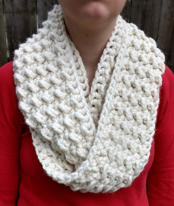 Fluffy Clouds Infinity Scarf CROCHET PATTERN ONLY | Etsy