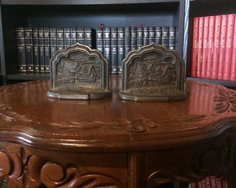 Shakespeare's House Stratford On Avon Bookends (Cast Iron)