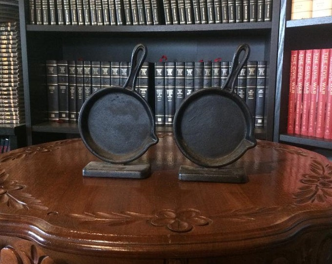 Cast Iron Skillet Bookends (Cast Iron)
