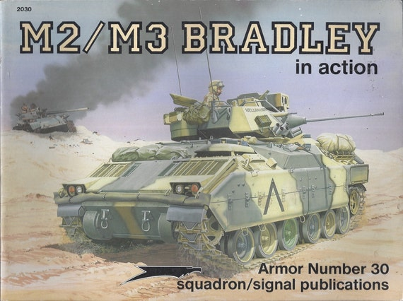 M2/M3 Bradley - In Action Armor 30  (Paperback)
