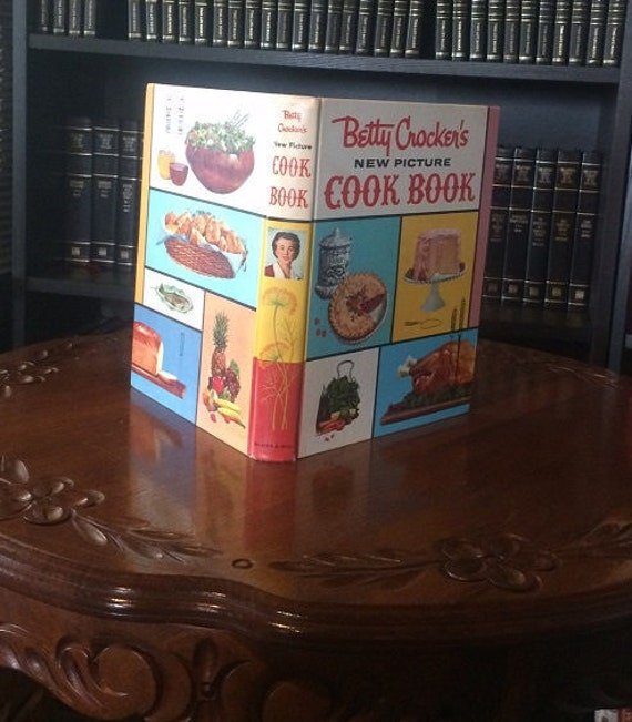 Betty Crocker's New Picture Cook Book 1961 Hardcover 1st