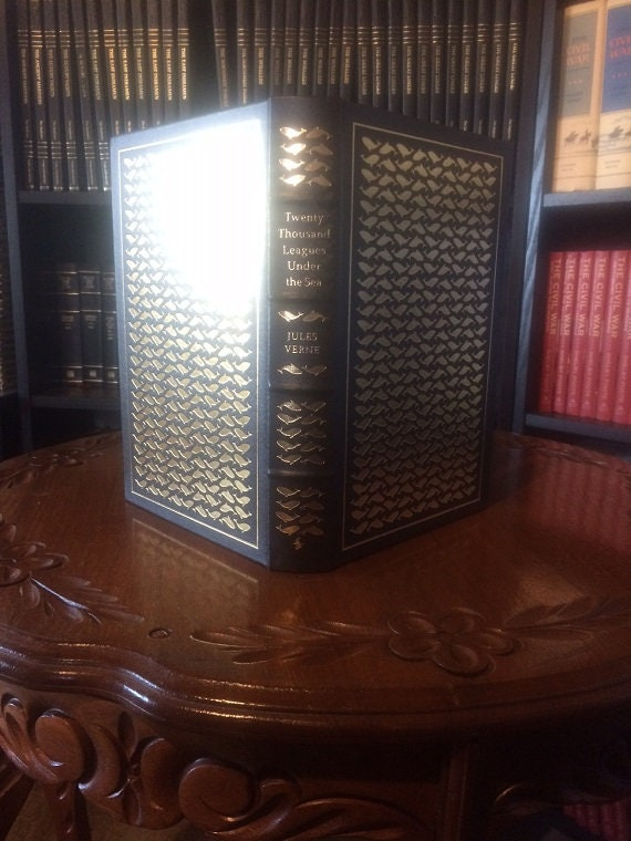 Twenty Thousand Leagues Under the Sea by Jules Verne Leather Bound (NEAR MINT) Easton Press