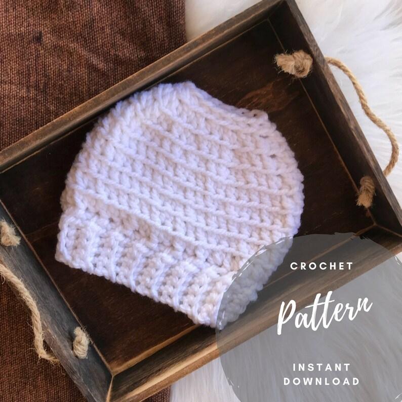 0734c6c28e3 Bun Beanie Pattern Bulky Messy Bun Crochet Bun Beanie