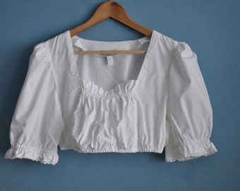 cropped length White vintage crop top short sleeves octoberfest dirndl top medium size elastic bottom broomstick front