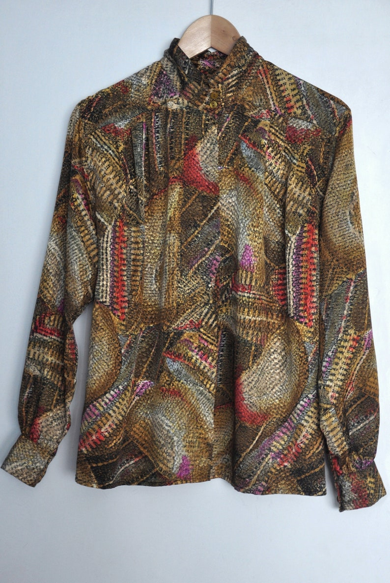 yellow green red pattern blouse Vintage 80s print polyster blouse earthy tones top M high neck women/'s collared shirt
