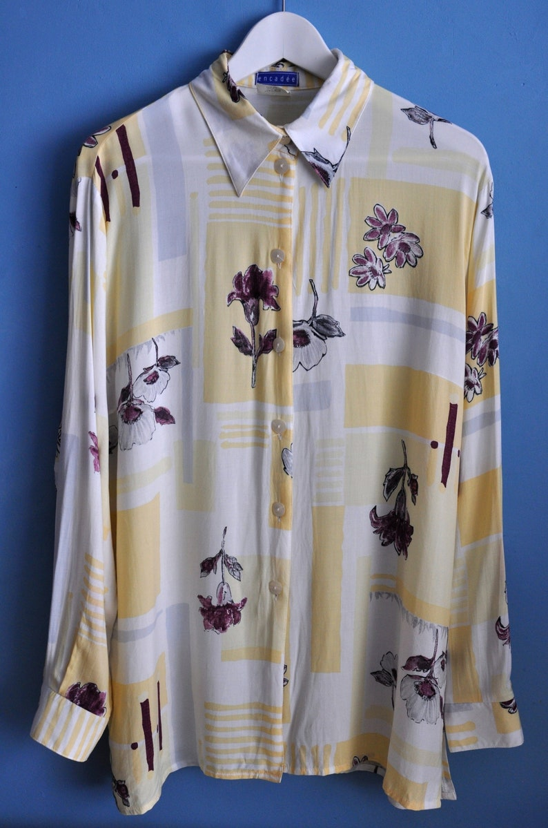 36f0b45d0ca Vintage 90s long sleeve floral print blouse White and yellow