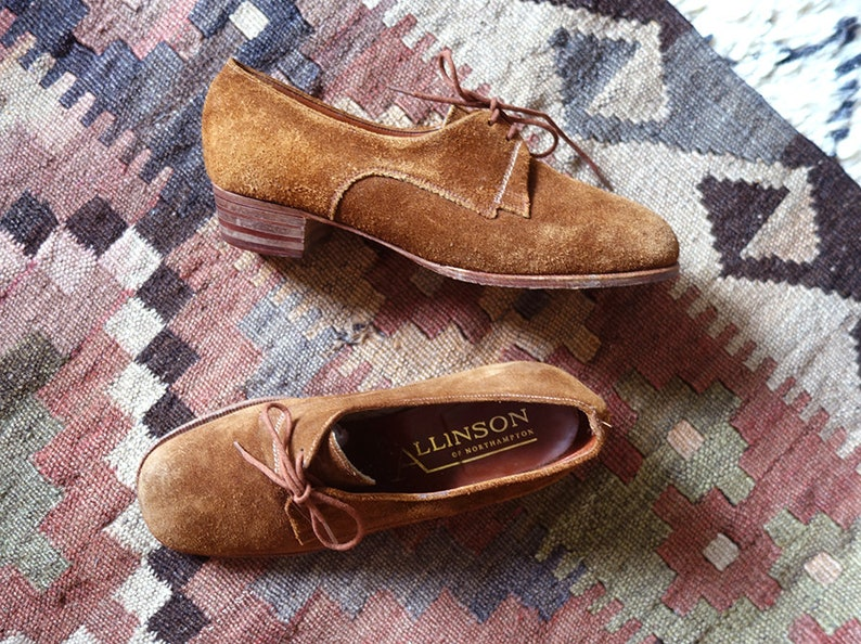 afdf3ab1d911b 1970s brown suede shoes / beautiful hand finished shoes / walking to  happiness shoes