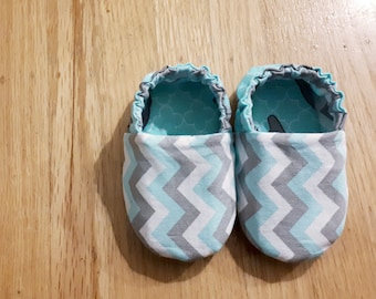 Baby Toddler Cotton Non-Slip Moccasins with Chevron and Elephants Print