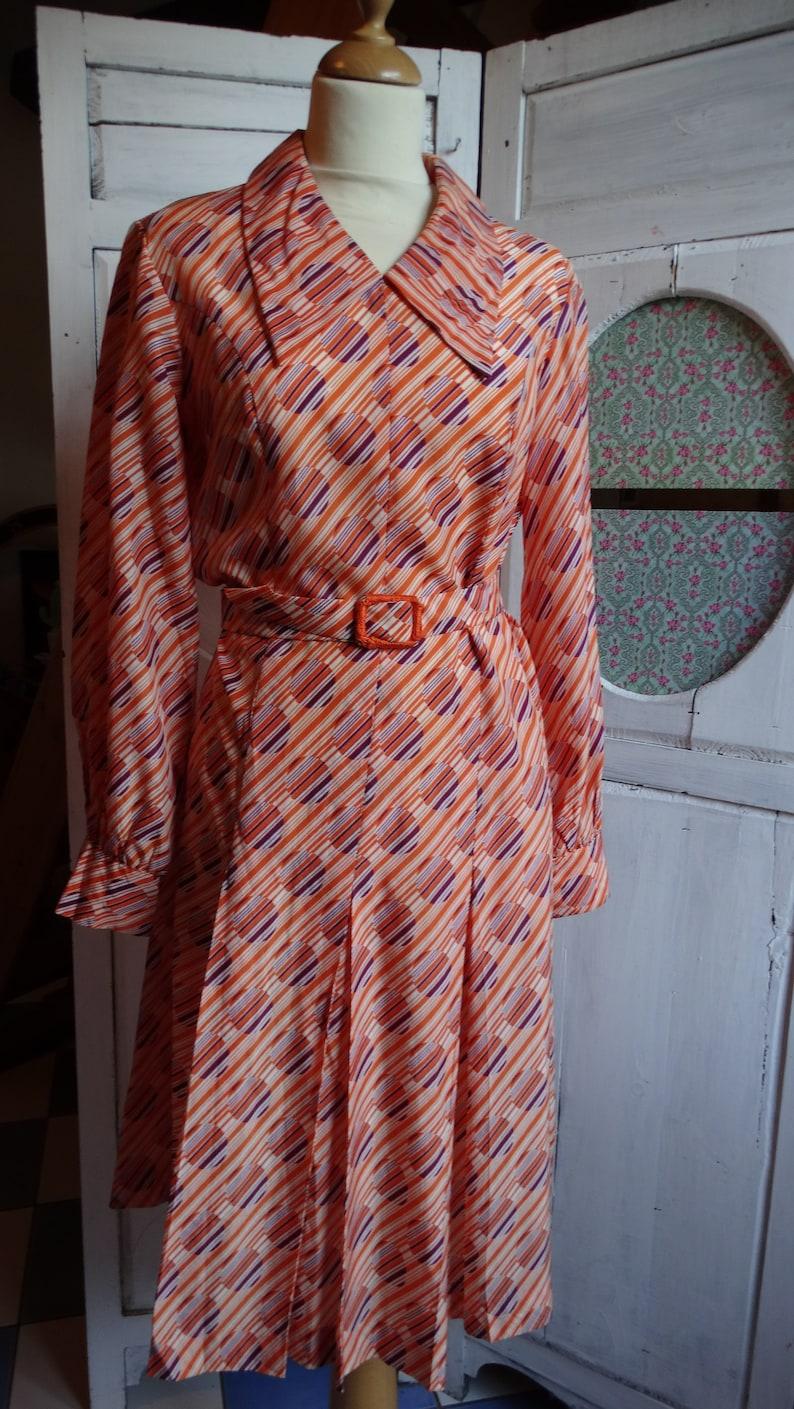 d2c0a5d956f Robe 1970 midi authentique vintage printemps été couleurs