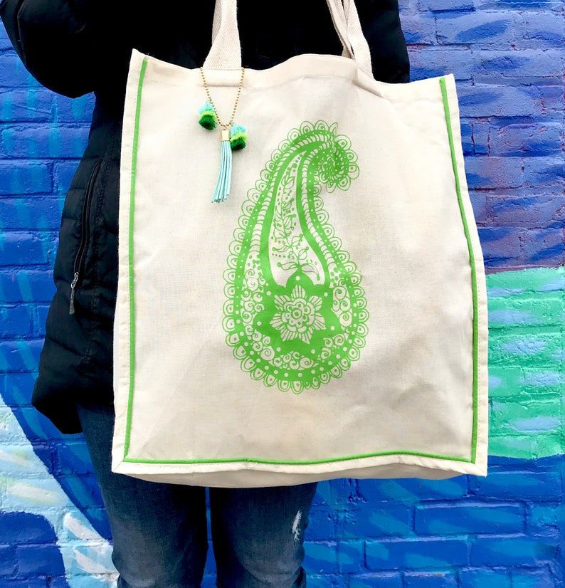 Paisley Market Tote with Tassel Market bag Everyday Bag Tote Beach Bag Colored Trim Tote Reusable Tote Carry-All Bag