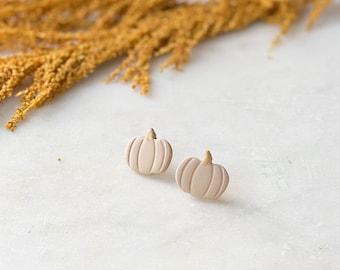 Pumpkin Studs   Taupe