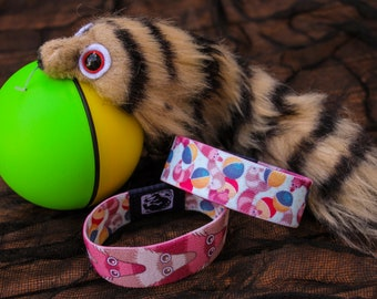 Wiggly Weasel Wristband