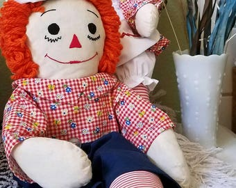 Vintage Classic Raggedy Ann and Andy dolls