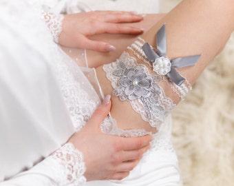 Gray Wedding Dress Garter Belt Grey Lace Bridal Garter Set Non Slip Flower Garter for Bride Gray Wedding Accessories White Garter with Gray