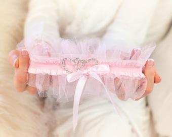Pink Heart Wedding Garter Set Non Slip Bridal Shower Gift and Lingerie Crystal Ruffled Lace Bride Garters Keepsake & Toss