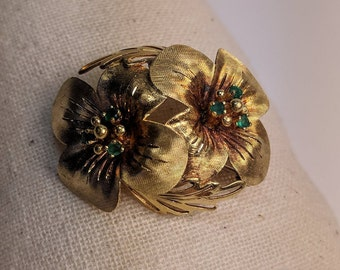 Vintage Mid-Century 18k Yellow Gold and Emerald Flower Brooch