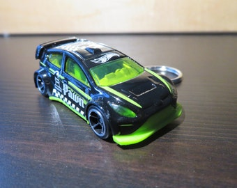 Black Ford Fiesta Rally car keychain gift