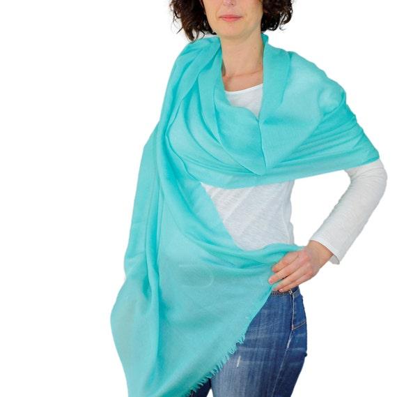 Grand Cachemire Echarpe turquoise surdimensionné wrap   Etsy 5faf56f0011