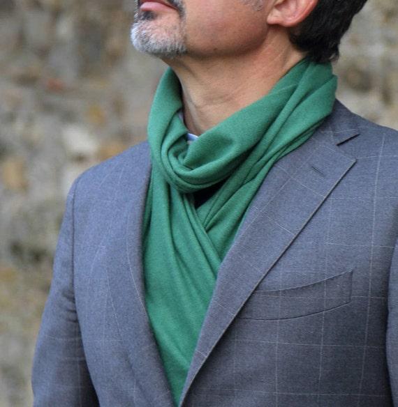 Mens Cachemire col chaud vert exclusif cadeau pour lui.   Etsy f4d1168eee4