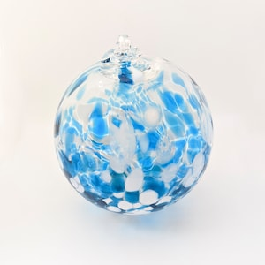 2 Sisters Limited Edition Finial Collection 4 Hand Blown Green Ornament
