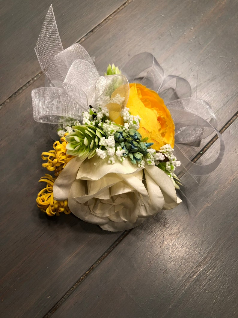 wristlets mother/'s flowers ships in one day Yellow dried corsage