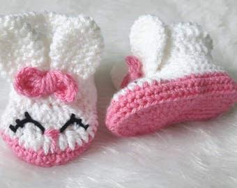 Baby booties, Bunny slippers, bunny boots, crochet boots, baby gift, easter gift, rabbit slippers, rabbit booties