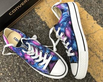 996105fd666 Custom Painted Galaxy Converse