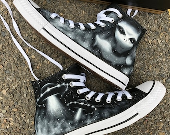 204ed7330837 X Files Custom Painted Converse