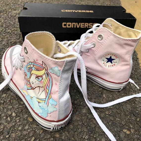 Bolle di sapone verniciato Converse, personalizzato dipinto a mano sapone bolle le scarpe, Sneakers personalizzate dipinte le bolle di sapone, opera