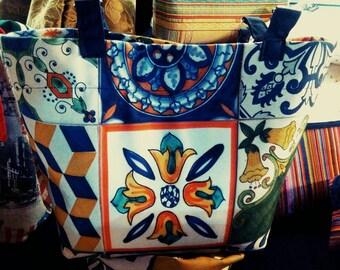 6c5cd3318c Cloth bag that reproduces the Sicilian majolica