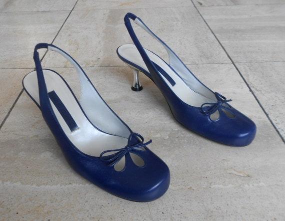 CHARLES JOURDAN * blue leather PUMPS, size 37 fr,