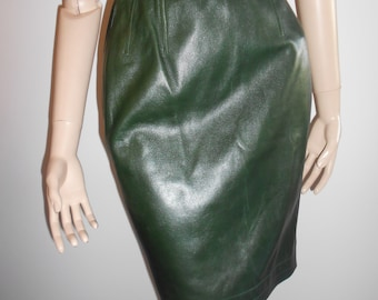 Yves Saint Laurent : green leather skirt, size XS, vintage 80s, Saint Laurent Rive Gauche female leather skirt vintage luxe Made in France