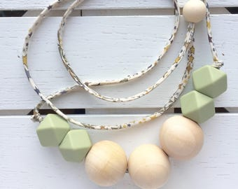 Wood teething necklace for mom - silicone teething necklace for mom -  nursing necklace for mom - baby shower gift - boho mom gift