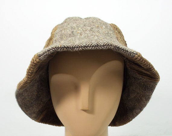 Moschino Headwear VINTAGE Cheap and Chic by Moschino Hat Made  95e9f32ae62