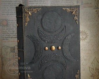 Moon phase journal Crescent Moon cycle notebook Full moon diary Lunar book Witchcraft Occult book Dark boho Pagan spell book New moon magic