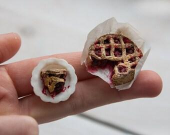 Miniature doll house 1:12 cherry pie