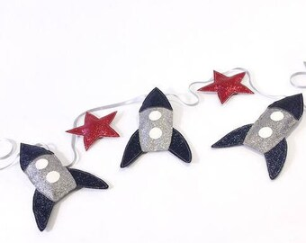 Rocket Garland Nursery Wall decor / Baby boy / Rocket bunting / Garland nursery / Nursery gift / Space nursery decor / Astronaut room decor
