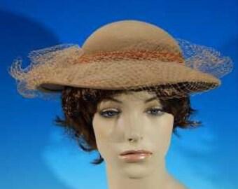 Vintage 1980 s Camel DOESKIN 100% Wool Felt Ladies   Women s Designer Hat  with Tan Lace Netting 1ed727b1e89f
